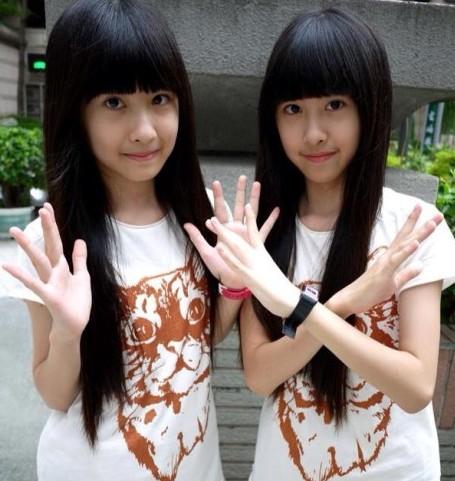 台湾双胞胎姐妹长大了