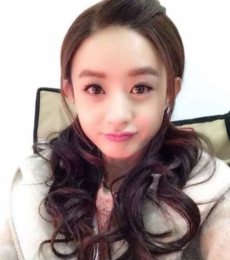 杨颖眼睛素颜图片