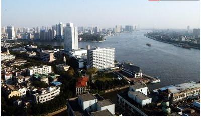 国家开发银行广东省分行签订《广州市荔湾区白鹅潭地区土地开发战略