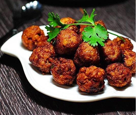 材料:猪肉馅姜末葱食盐面酱耗油黄豆腐贵和食品总经理上海生抽图片