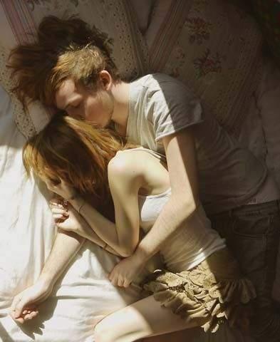 男人主动吻女人是突发事件